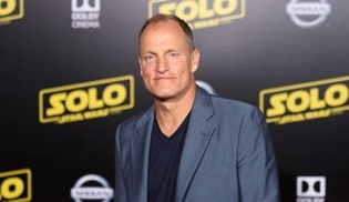 Woody Harrelson, The Most Dangerous Man in America dizisinin başrolünü üstlendi