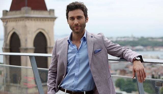 Seçkin Özdemir, Star Tv'de yayınlanacak Ateşböceği ile ekranlara geri dönüyor!