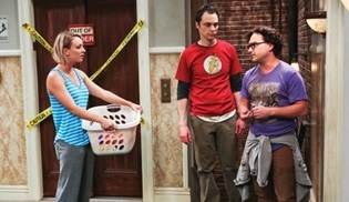 The Big Bang Theory iki sezonluk onay aldı