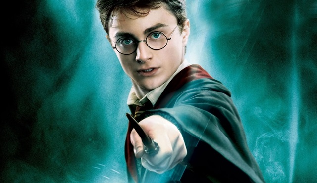 'Harry Potter And The Cursed Child' kitabı, Harry Potter'ın doğum gününde okuyucuları ile buluşuyor!