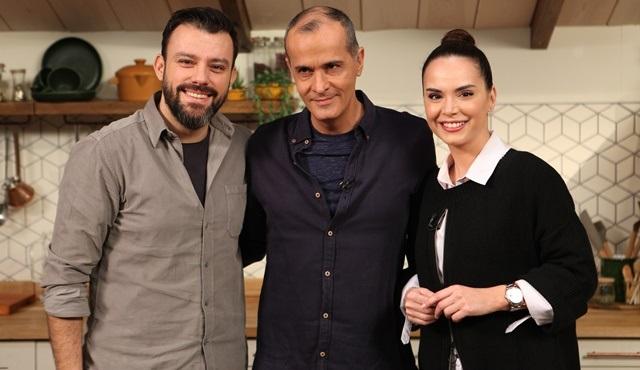 Memet Özer ile Mutfakta'nın konukları Yeliz Şar ve Salih Bademci