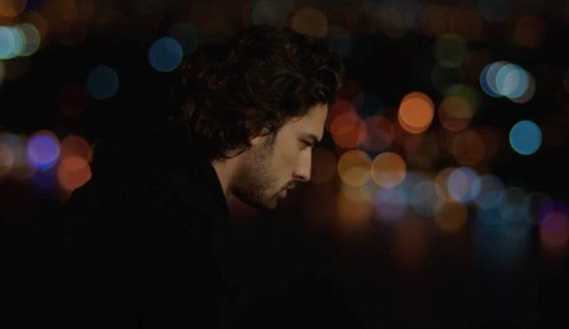 """Aşk Değiştirir: Bir """"Sinan Egemen"""" Mutasyonu"""