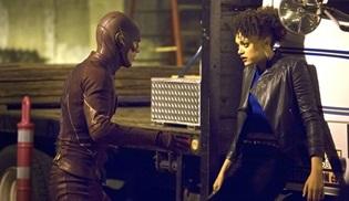 Peek-a-Boo, The Flash'a geri dönüyor!