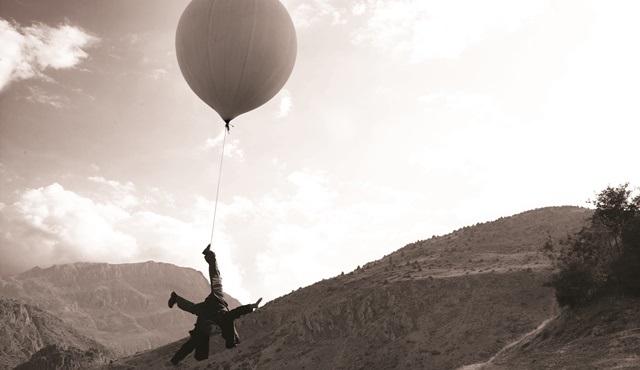 Kutluğ Ataman imzalı Aya Seyahat filmi WitchTV'de!