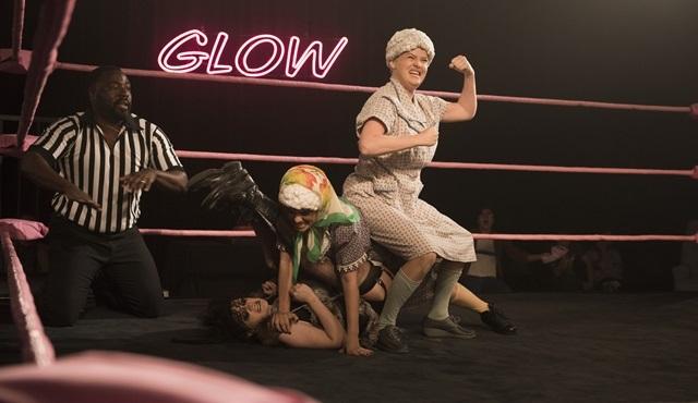 İkinci sezonu ile ringlere geri dönen GLOW'dan resmi fragman paylaşıldı!