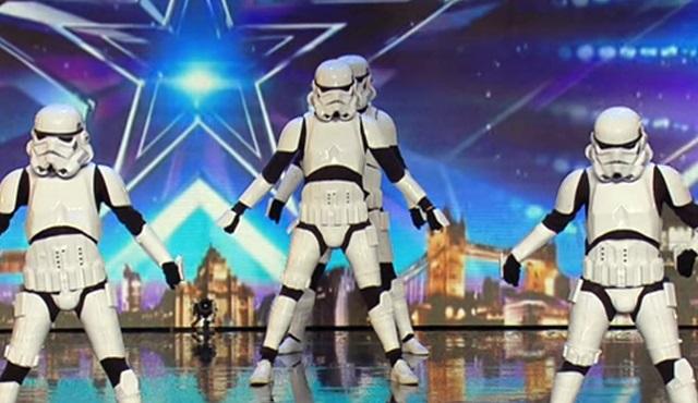 Britain's Got Talent'taki Stormtrooperlardan yeni dans geldi