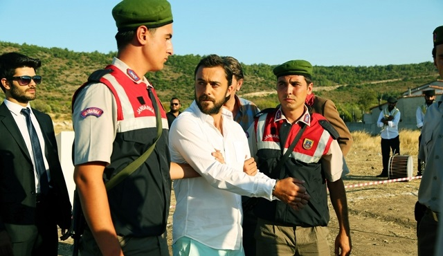 Kalbim Ege'de Kaldı: Yaman is under custody and Zeliş is divorcing Mustafa
