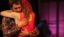 Aşk Delisi: Koparılamayan bağlar, uzaklaşılamayan insanlar