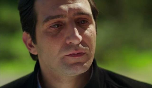 Dert bir değil ki ağlayasın…