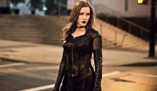 Katie Cassidy Arrow dizisine geri dönüyor!