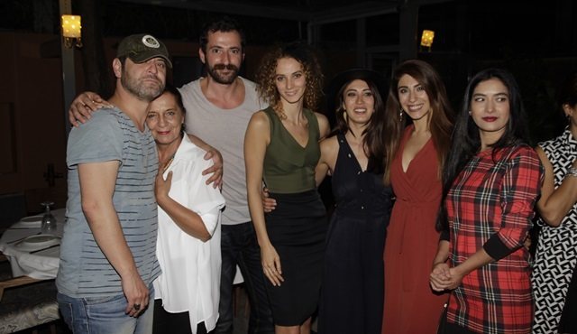 ''Eve Dönüş'' ekibi ilk bölümü birlikte izledi!