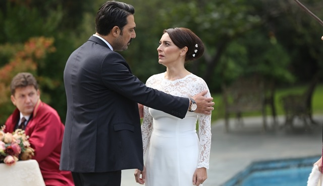 Macide, Kemal'den habersiz Nilgün'e evlilik sözleşmesi imzalatıyor!