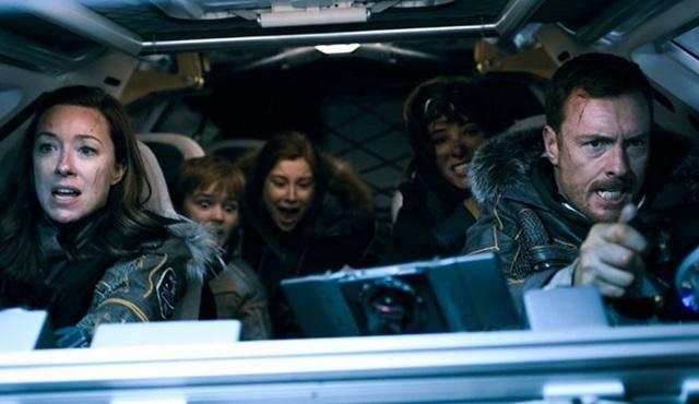 Netflix, Lost In Space dizisine ikinci sezon onayı verdi