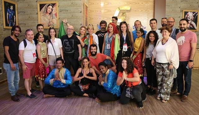 Mumbai Film Festivali için giden Türk ekibi Bollywood stüdyolarını gezdi!