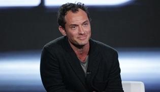 Jude Law, Captain Marvel'ın başrolünde yer almak için görüşmelere başladı
