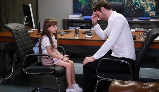 Onur, bir kızı olduğunu Lale'ye anlatmanın yolunu bulmaya çalışıyor!