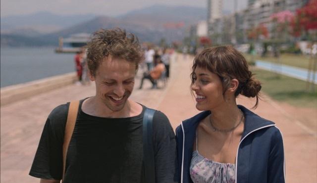 Netflix ilk Türk orijinal filmi Yarına Tek Bilet'in fragmanını yayınladı!