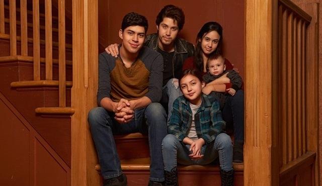 Party of Five dizisi ilk sezonunun ardından iptal edildi