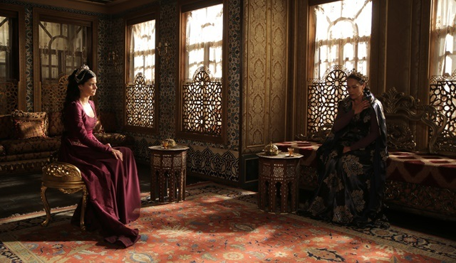 Magnificent Century: Kösem | Safiye and Kösem have a final facedown