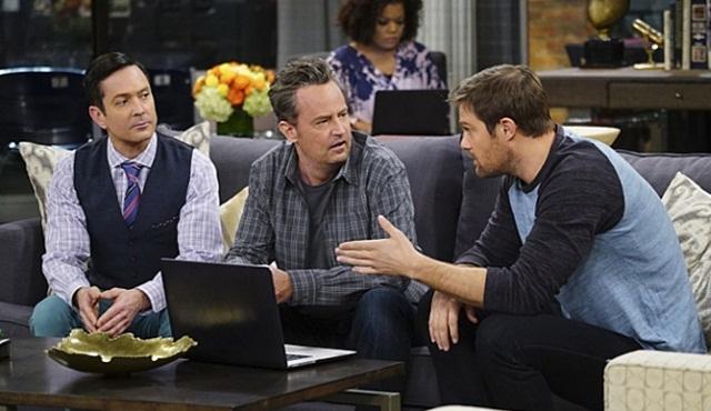 CBS The Odd Couple'ın sezonunu uzatmama kararı aldı