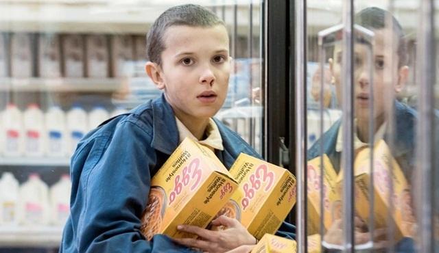Eleven Stranger Things'e geri dönüyor!