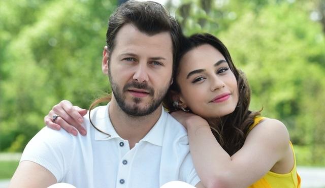 Kazara Aşk dizisinin afişi yayınlandı!