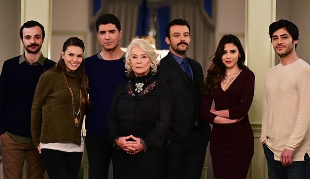 Star TV'nin yeni dizisi 'İstanbullu Gelin'in yayın tarihi belli oldu!