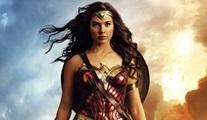 Wonder Woman: Zeus'un şimşeğiyle kutsanmış bir Amazon Prensesi!