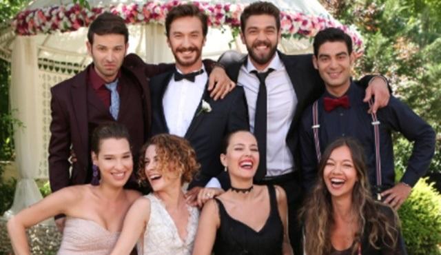 """Sezonun romantik komedisi olmaya aday """"Damat Takımı"""" filmi için geri sayım başladı!"""