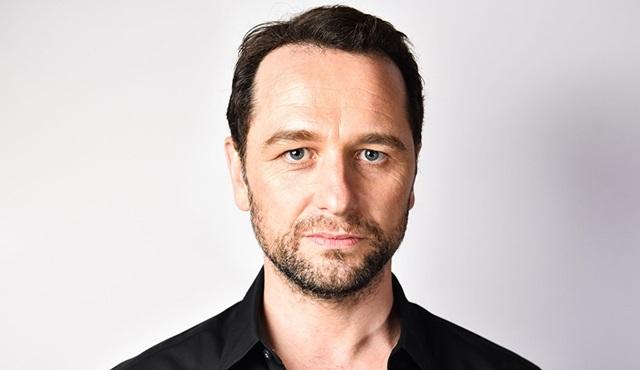 Matthew Rhys, HBO dizisi Perry Mason'ın kadrosuna dahil oldu