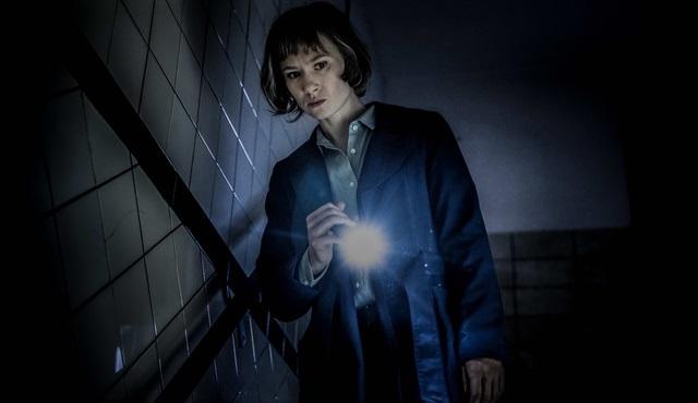 Aslı Özge'nin mini dizisi Dunkelstadt ilk gösterimini Berlin Film Festivali'nde yapacak!