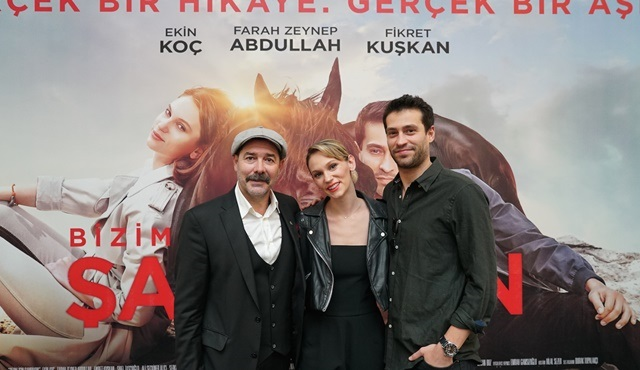 Şampiyon'un başrol oyuncuları İzmir'de sinema severlerle buluştu!