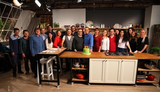 Memet Özer ile Mutfakta programı 200. bölüme özel bölümle ekrana gelecek!