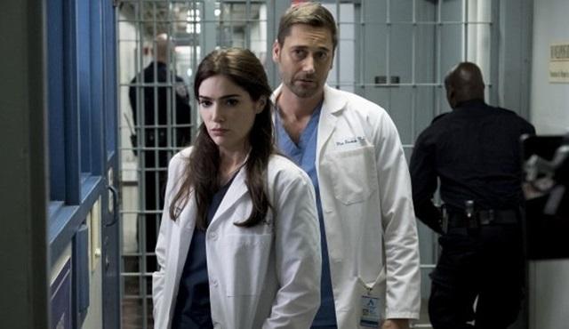 New Amsterdam ve The Resident dizileri tam sezon onayı aldı