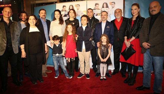 Aile İşi ekibi, ilk bölümü birlikte izledi!
