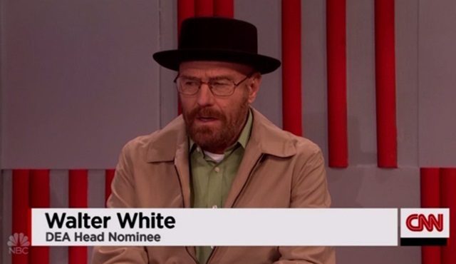 Walter White, Saturday Night Live için geri döndü!