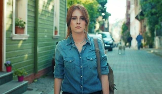 Kiralık Aşk 51.bölüm fragmanı: Defne İstanbul'u terk ediyor!