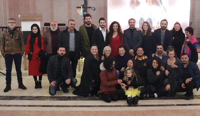 Hercai'nin ilk bölüm izlemesi Mardin Midyat'ta yapıldı!