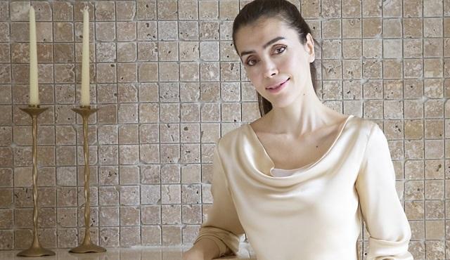 Fi, Çi, Pi üçleme serisinin yazarı Azra Kohen'in yeni romanı çıktı!