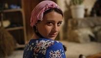 Gizem Karaca, Ay Lav Yu Tu filmi için görümce oldu!