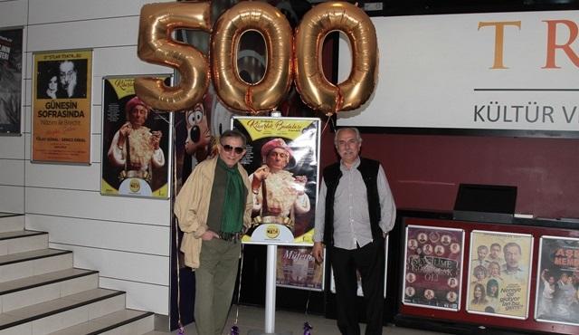 Kibarlık Budalası 500 kez sahnelenerek bir rekora imza attı!