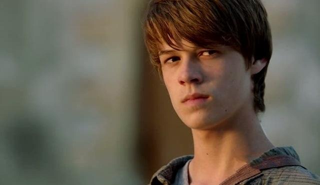 Colin Ford: 18 yaşıma girdim. Artık ben de Joe gibi tek başımayım...