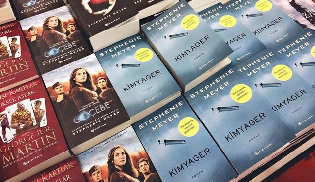 Twilight serisinin yazarı Stephenie Meyer'in yeni romanı Kimyager dizi olarak uyarlanıyor