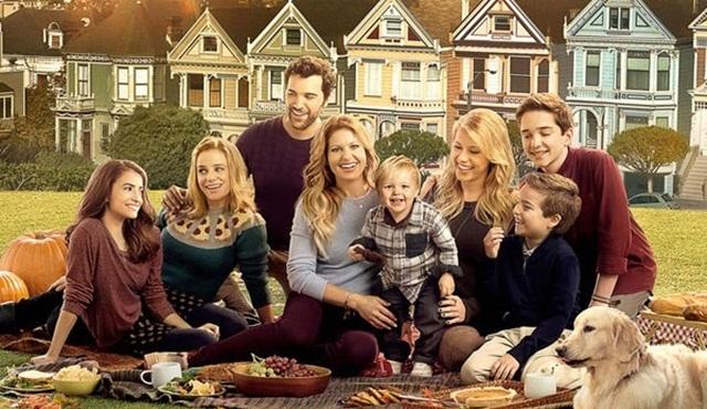 Fuller House Netflix'ten 3. sezon onayı aldı