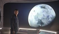 Netflix, The Midnight Sky'ın resmi fragmanını ve afişini paylaştı