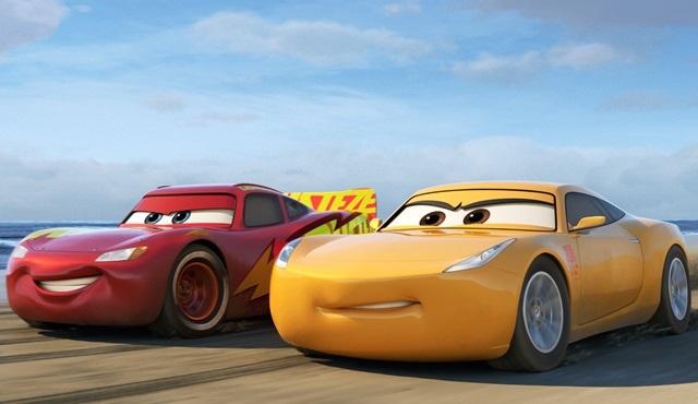 Dünyanın en ünlü Nascar pilotları Arabalar 3 filmine ilham verdi!