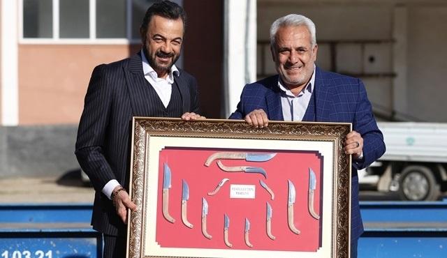 Bir Zamanlar Çukurova seti Feke Belediye Başkanı Ahmet Sel'i ağırladı!