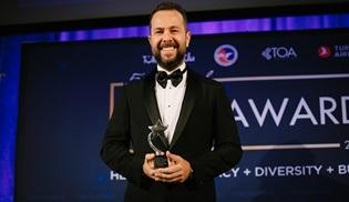 Global Agency CEO'su İzzet Pinto, TOA Ödülleri 2019'da ödül aldı!