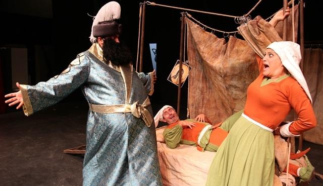 Kurnaz, Sardunya adasında sahneleyecek