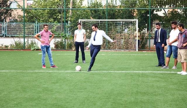 """""""Kertenkele"""" dizisinin set arasında futbol keyfi!"""